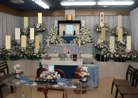 寶亀閣斎場祭壇・供花