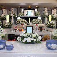 医王寺 国宝殿仏式花祭壇