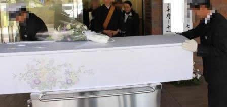 多磨葬祭場出棺