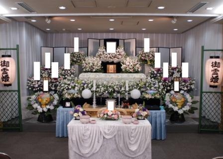 多磨葬祭場行華殿花祭壇