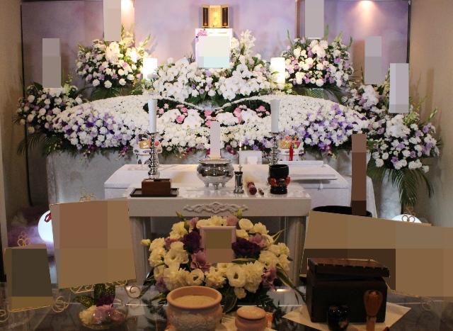 メモリアルハウス多摩花祭壇