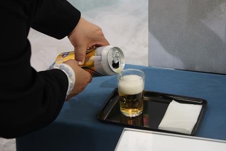 多磨葬祭場行華殿:故人の好きな飲み物をお供え