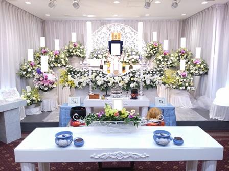 多磨葬祭場行華殿:花祭壇