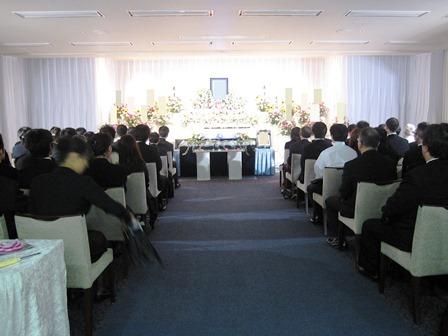 多磨葬祭場思親殿:式場