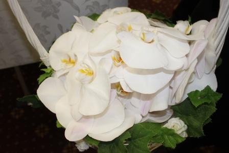 多磨葬祭場行華殿:花籠