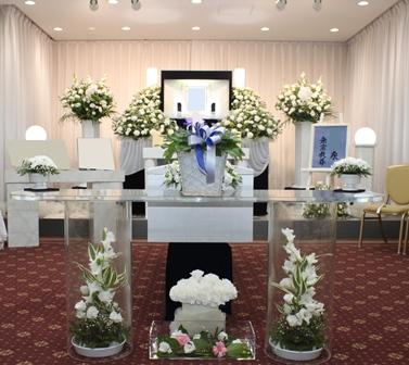 多磨葬祭場行華殿:無宗教花祭壇