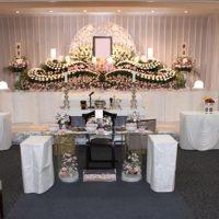 多磨葬祭場思親殿:仏式花祭壇