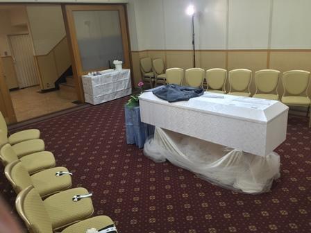 多磨葬祭場行華殿:家族葬の配置