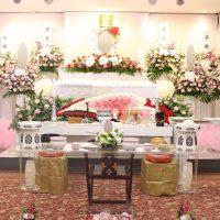 多磨葬祭場行華殿:仏式花祭壇