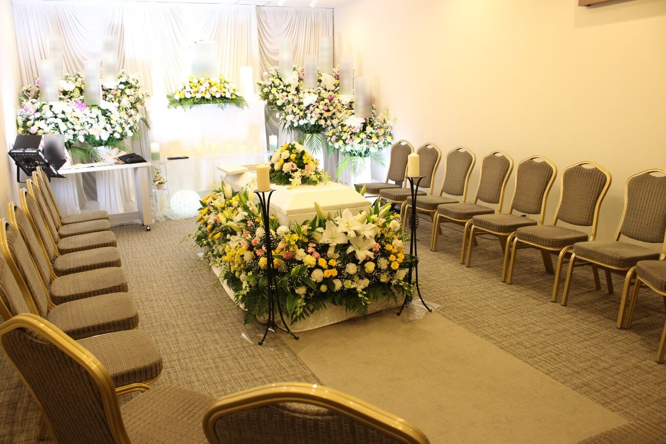家族葬ホールのぼりと:無宗教花祭壇