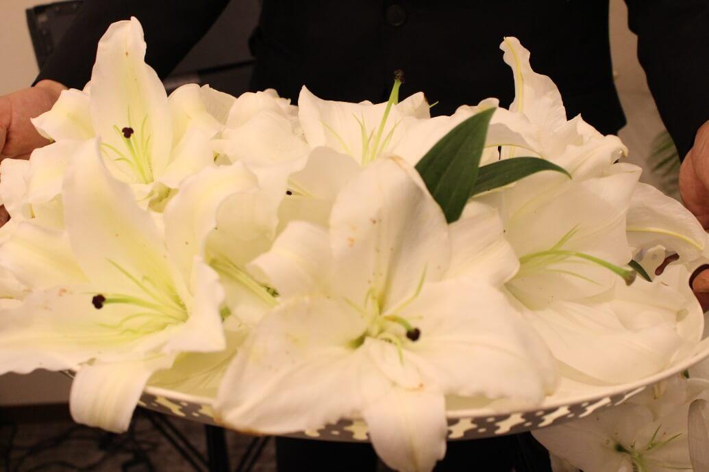 家族葬ホールのぼりと:お花入れ