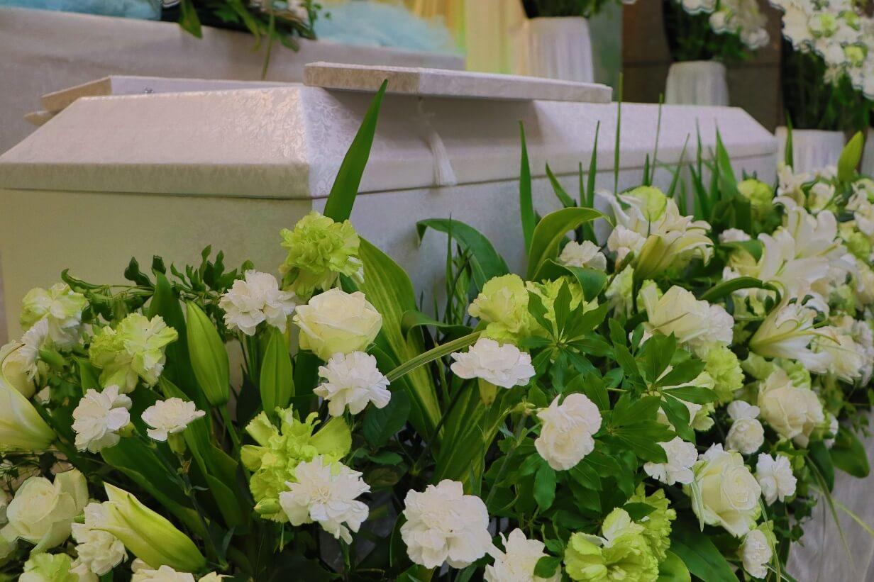 南多摩斎場第三式場:お柩の花飾り