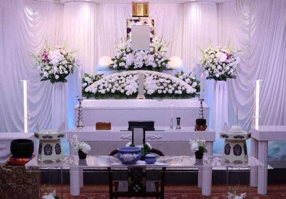 家族葬プラン:花祭壇白